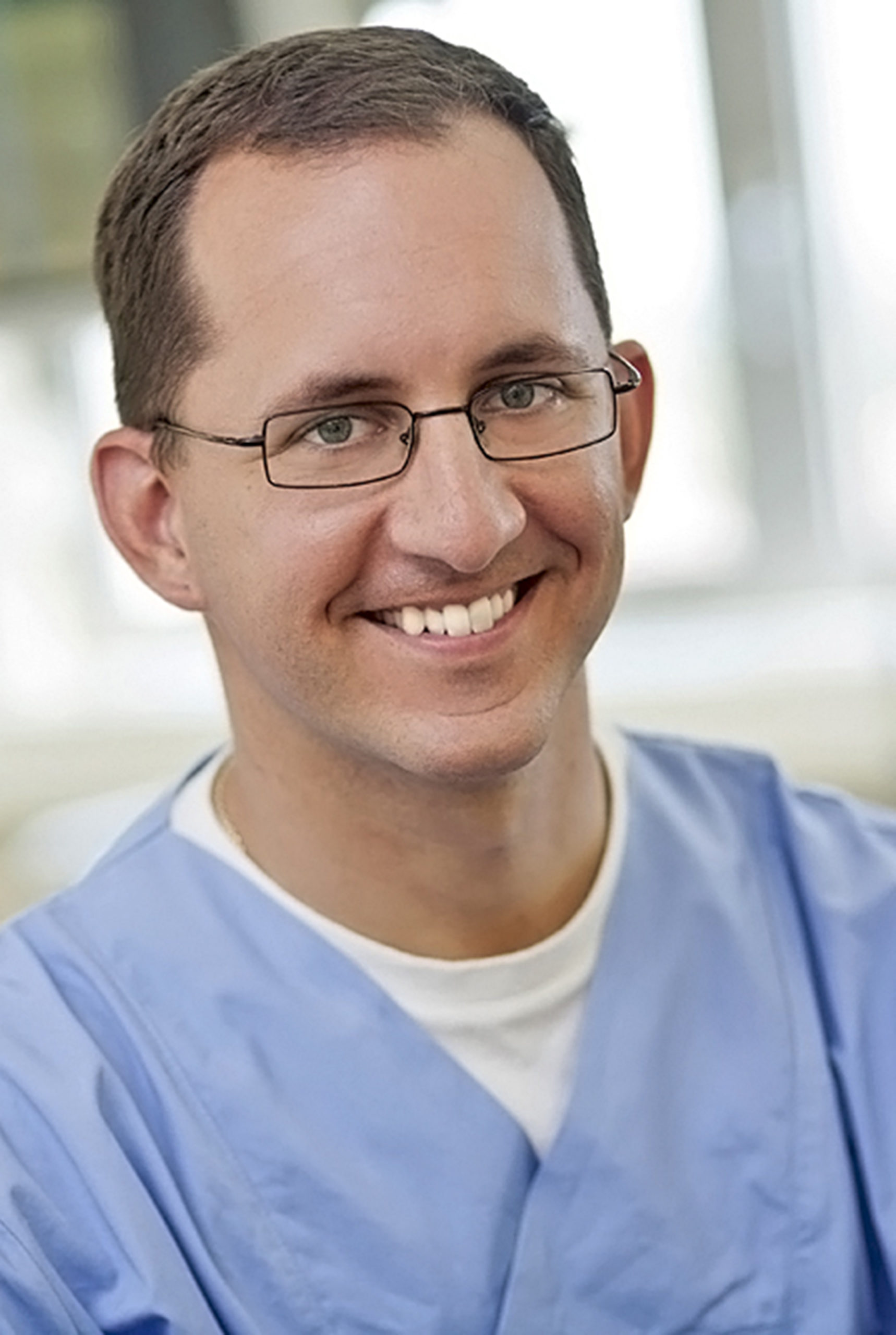 ass.prof.dr.sc. Karlo Houra, dr.med. – neurosurgeon